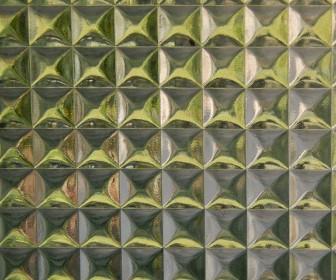 Laserowa obróbka szkła — cięcie, otworowanie i grawerowanie